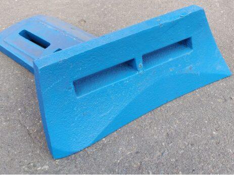 Чугунная лопасть бетоносмесителя СБ-138